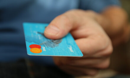 Køb dit tøj online og spar mange penge
